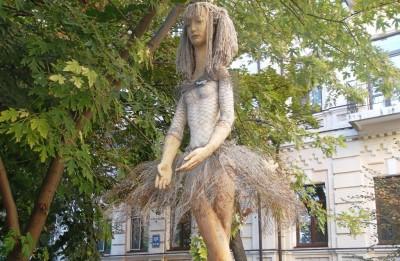 10 оригинальных скульптур Киева