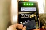 В столичных маршрутках начали тестировать бесконтактную оплату проезда