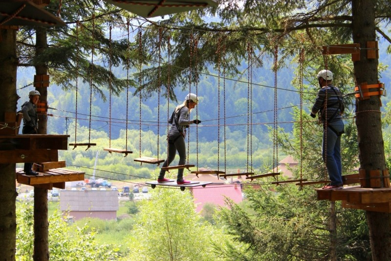 На Позняках откроют верёвочный парк