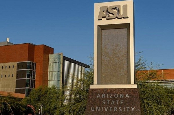 На Почтовой площади откроют Американский университет