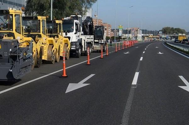 Карантин на пользу: в Киеве активно ремонтируют дороги и метро