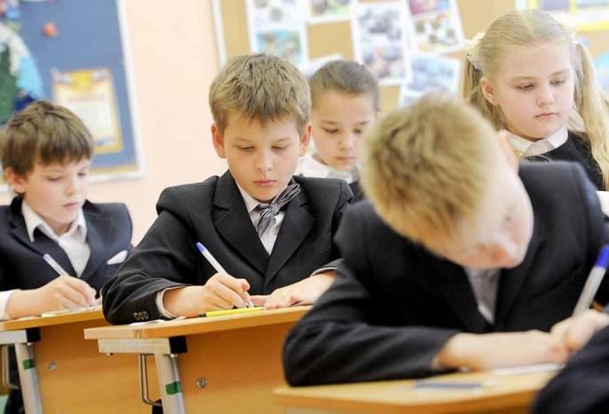 В школах Киева приостановили прием первоклассников