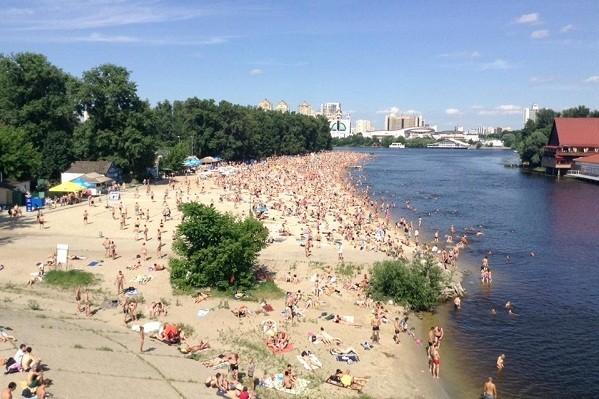В Киеве открыли 12 пляжей: где можно покупаться