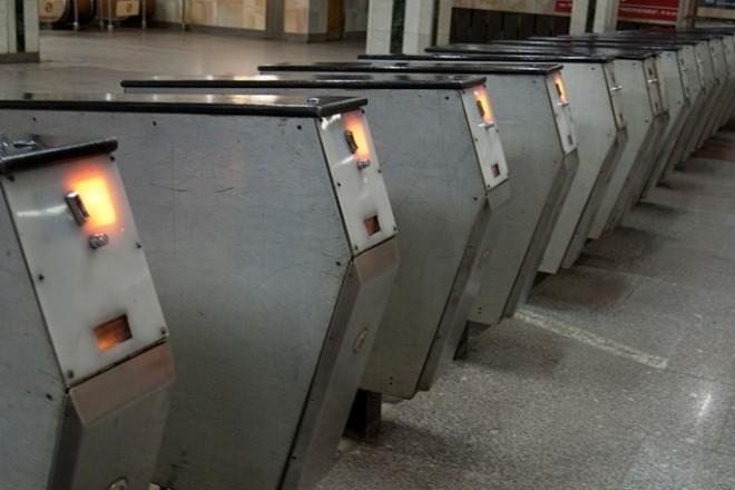 До конца года в столичном метро заменят старые турникеты