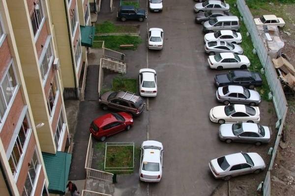 Парковка в киевских дворах станет платной