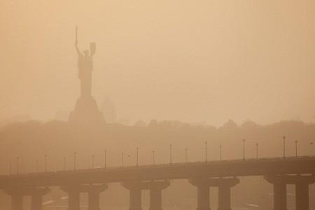 Аномальное тепло, буря и ливень: апрель в Киеве установил три рекорда
