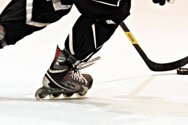 На Русановке открыли площадку для хоккея на роликах