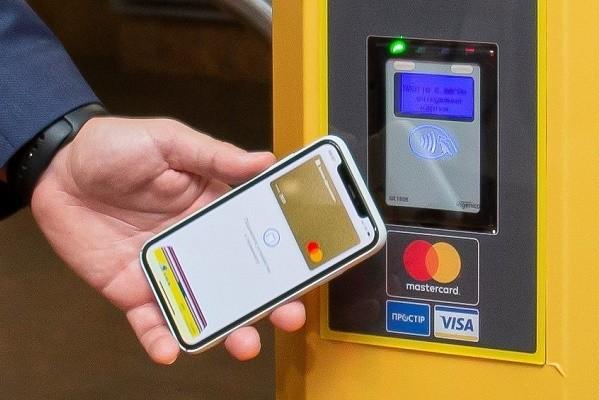 В столичных электричках может заработать бесконтактная оплата проезда
