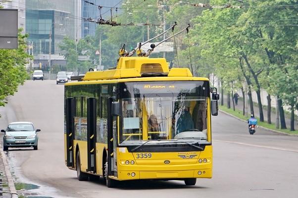 В Киеве восстановили движение трех троллейбусных маршрутов