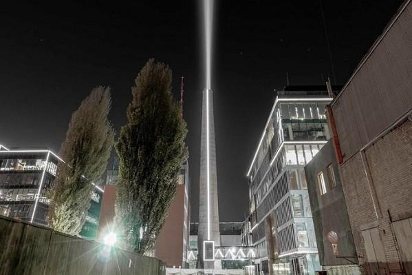 Киевский арт-объект «Маяк» попал в список лучших световых проектов мира
