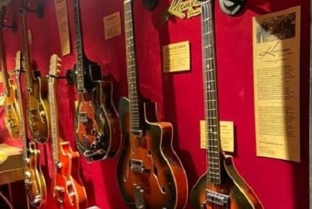 На ВДНХ открылся музей электрогитар с уникальными экспонатами