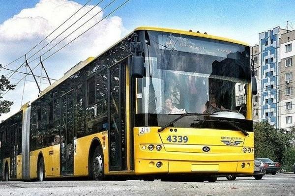В киевском транспорте разрешили перевозить больше людей