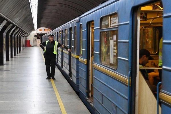 В киевской подземке изменят график движения поездов