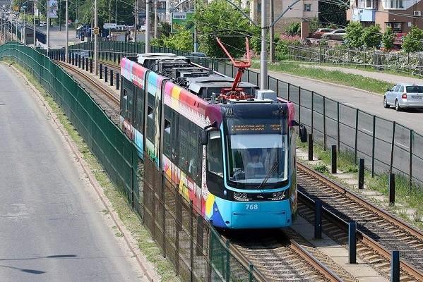 На Борщаговку снова запускают скоростной трамвай