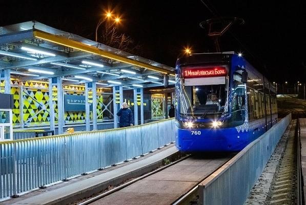 Маршрут скоростного трамвая на Борщаговку изменили до конца года