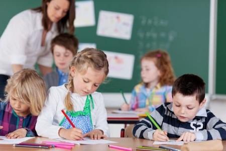 Мэр Киева предлагает возобновить учебу школьников 1-4 классов