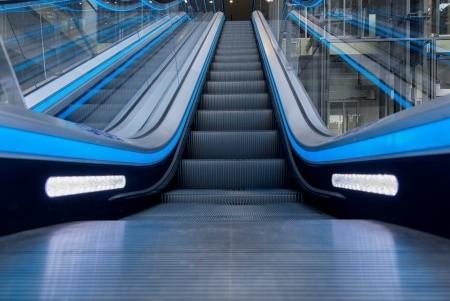 На киевском вокзале установят эскалаторы с подсветкой и сенсорами
