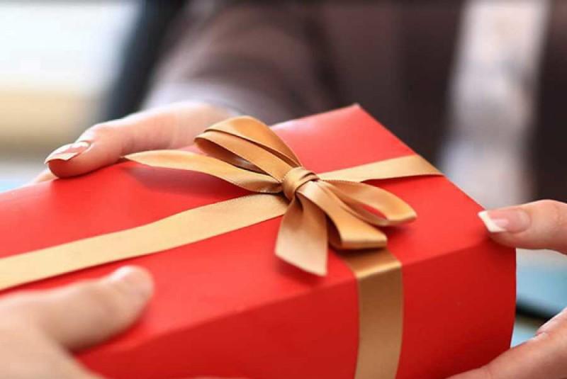 Что подарить другу: гаджеты и электроника