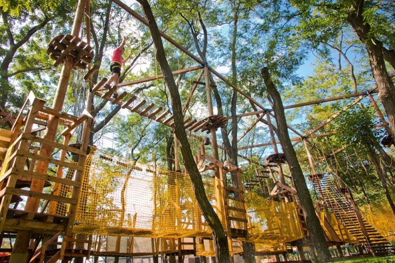 В парке «Юность» появится веревочный парк и игровой комплекс