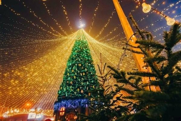 В Киеве разрешили работу новогодних катков