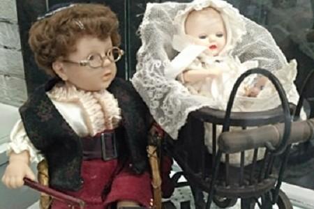 Киевлян приглашают на выставку старых кукол 1950-х годов