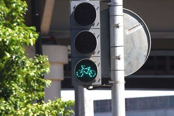 На нескольких улицах Киева обустроят велосветофоры