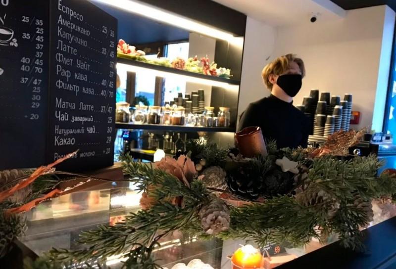 В Киеве открыли первое муниципальное кафе с точкой буккроссинга