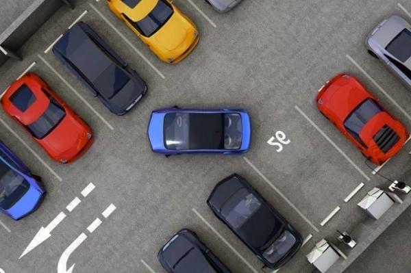 Стоимость парковки в центре Киева хотят повысить