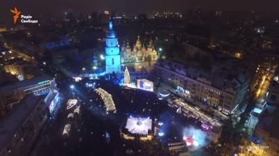 Новый год на Софиевской площади в Киеве с высоты птичьего полета