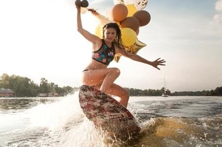 В столице проходит первый фестиваль по серфингу Kyiv City Swell