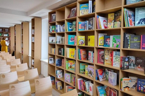 На Троещине открылся самый большой библиохаб для детей