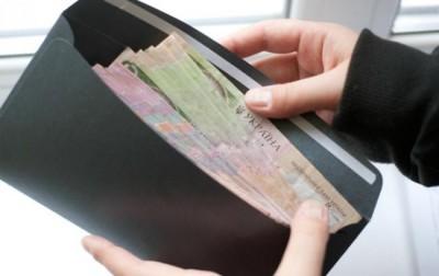 Госкомстат назвал среднюю зарплату в Киеве за февраль