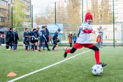 На Борщаговке открыли мини-футбольное поле