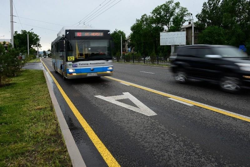 На дорогах Киева отгородят полосы общественного транспорта