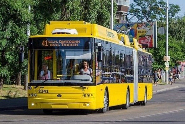 Киевом курсируют новые троллейбусы с кондиционерами и видеокамерами