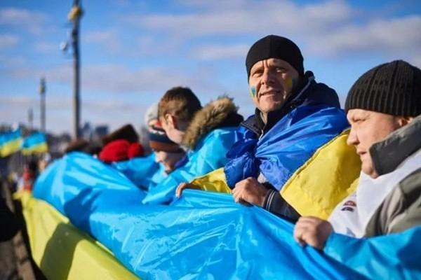 В День Соборности Украины на мосту Патона создадут «живую цепь»