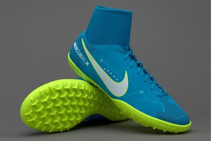 Покупаем футбольную обувь: сороконожки Nike и их преимущества
