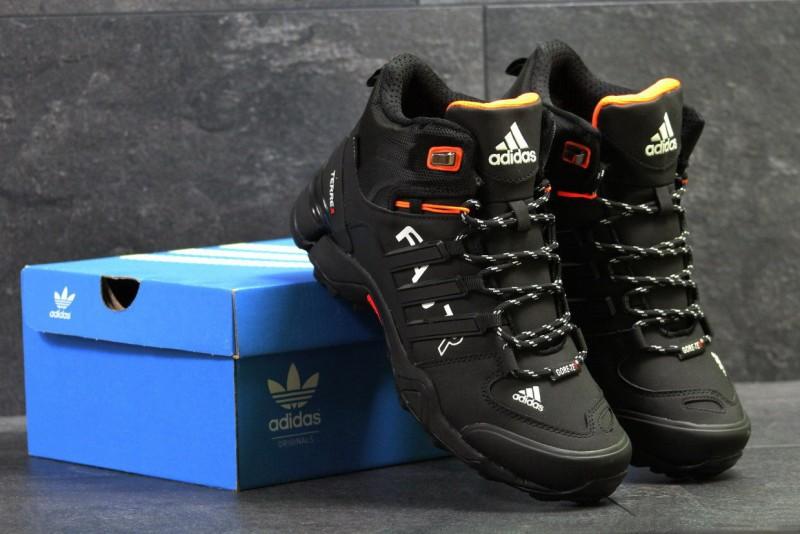 Топ 5 брендов зимних кроссовок для мужчин