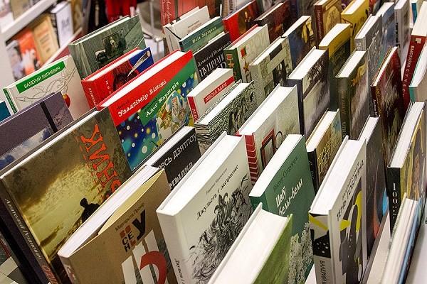 В Украинском доме ко Дню знаний открылась книжная выставка