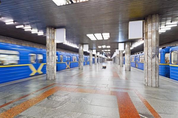 В Киеве намерены переименовать станцию метро «Петровка» и Московский мост