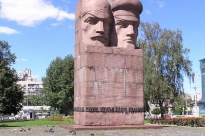 Декоммунизация: каким памятникам в Киеве грозит демонтаж?