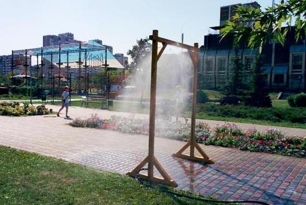 В парках столицы установили «водяные арки»: адреса