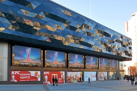 Почему светодиодный экран эффективнее статичного билборда