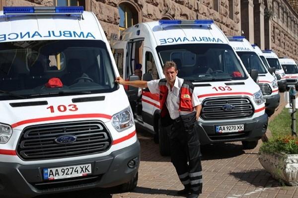В Киеве появились новые скорые с оборудованием для недоношенных детей