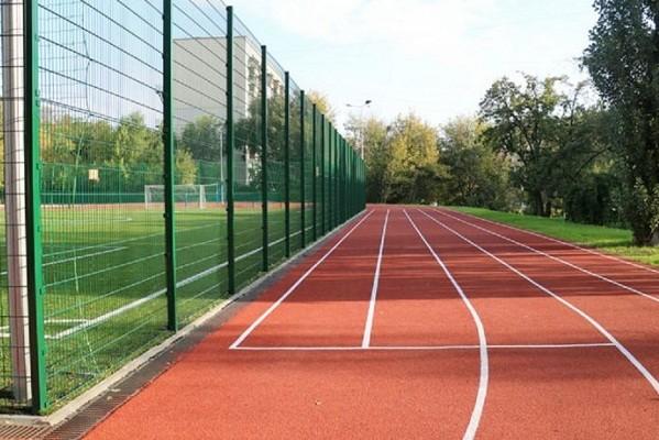 В Соломенском районе открыли современный стадион европейского образца
