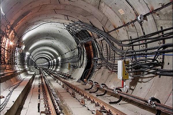 Мэр Киева назвал срок открытия метро на Виноградарь