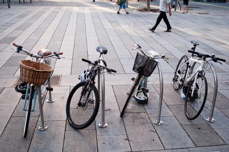 В Киеве появились бесплатные велопарковки
