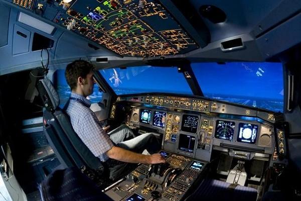 В Киевском музее авиации открылся зал авиационных симуляторов