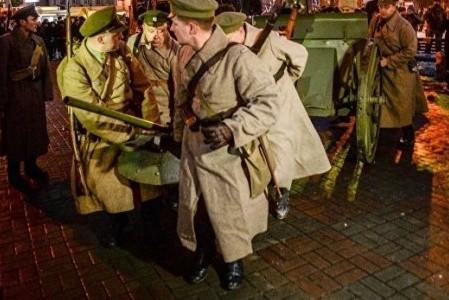 Вернуться в прошлое: в Киеве реконструируют бой за завод «Арсенал»