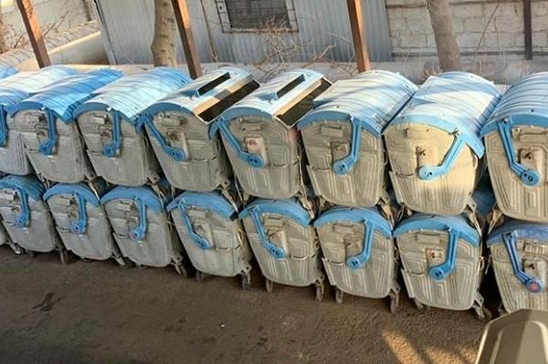 На улицах столицы установили 450 новых мусорных контейнеров